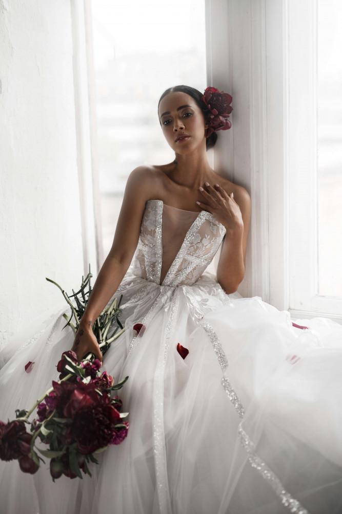 Свадебное платье August